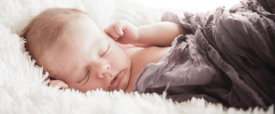 Sergio, 22 días. Sesión de fotos newborn