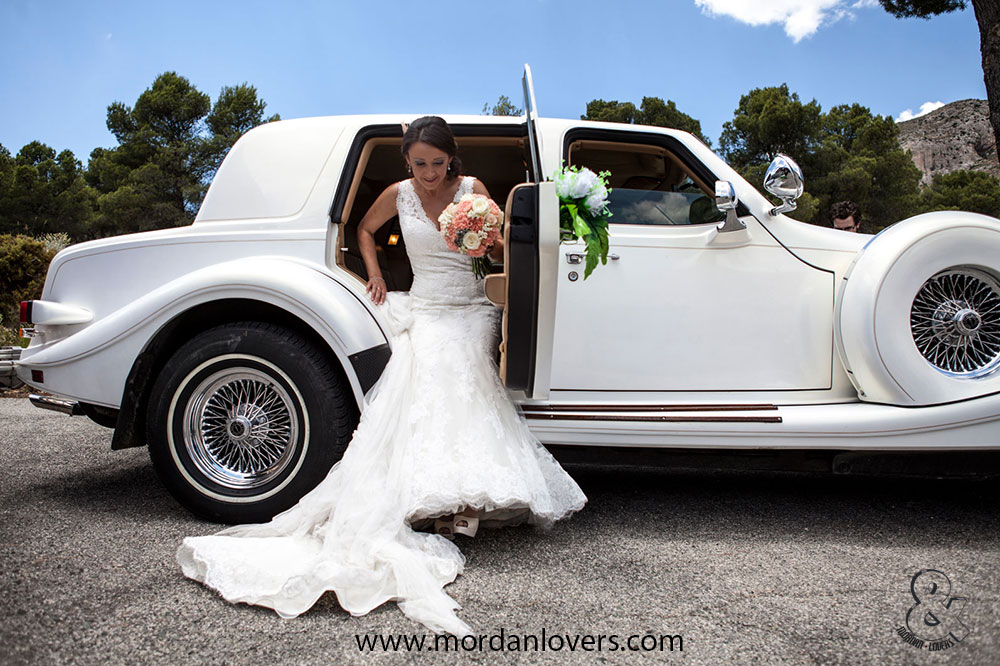 La decoración del coche de bodas.
