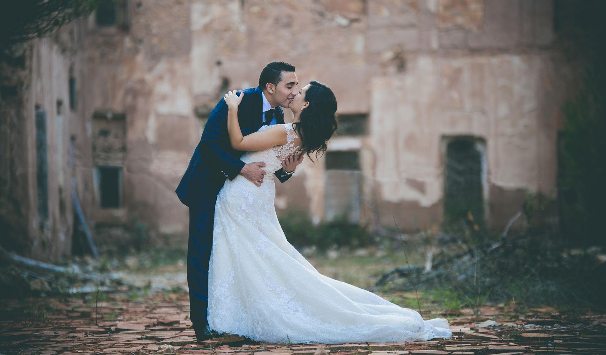 Post boda en el bosque. Fotógrafos de boda Alicante