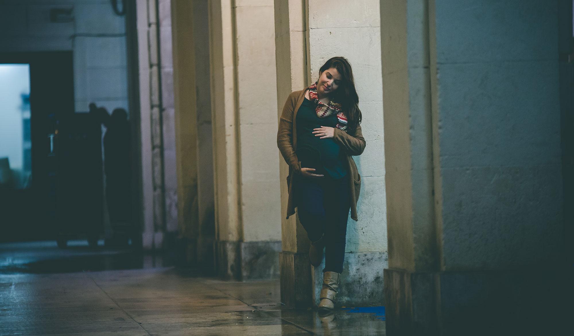 fotografía urbana de embarazo en Alicante