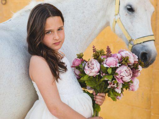 Book infantil en exterior. Fotografías con caballos