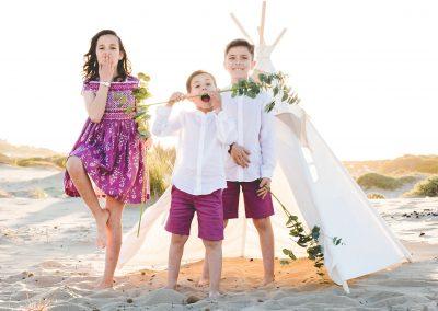 Fotografía infantil en Alicante. Sesión de fotos en la playa